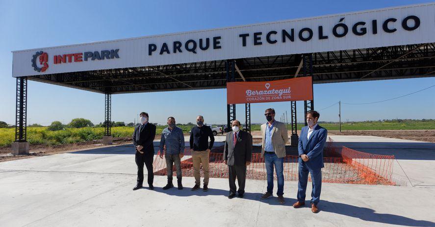 mussi-y-el-ministro-guzman-iniciaron-la-obra-del-parque-tecnologico-industrial-intepark-1jpg